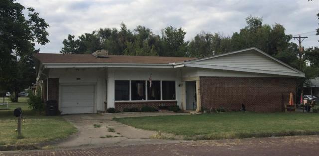404 E Linden Ave, Arkansas City, KS 67005 (MLS #539781) :: Select Homes - Team Real Estate