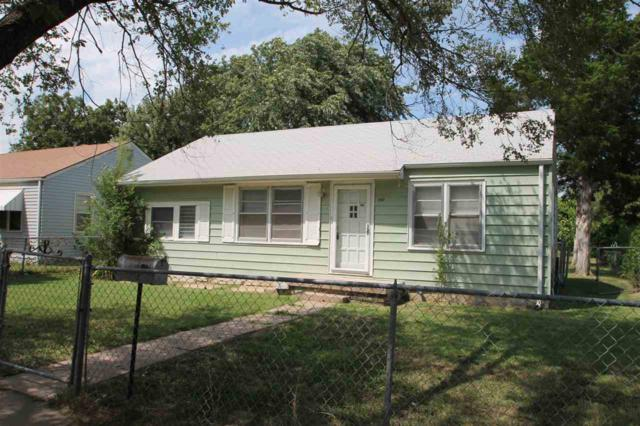 2402 W Walker Ave, Wichita, KS 67213 (MLS #540250) :: Select Homes - Team Real Estate