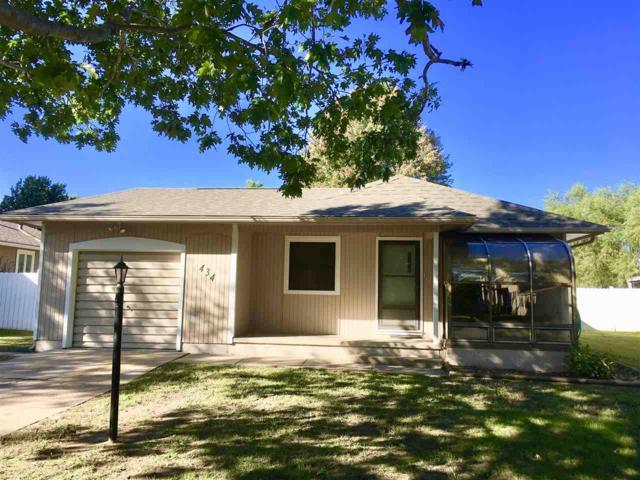 434 Overhill Rd, Arkansas City, KS 67005 (MLS #542767) :: Select Homes - Team Real Estate