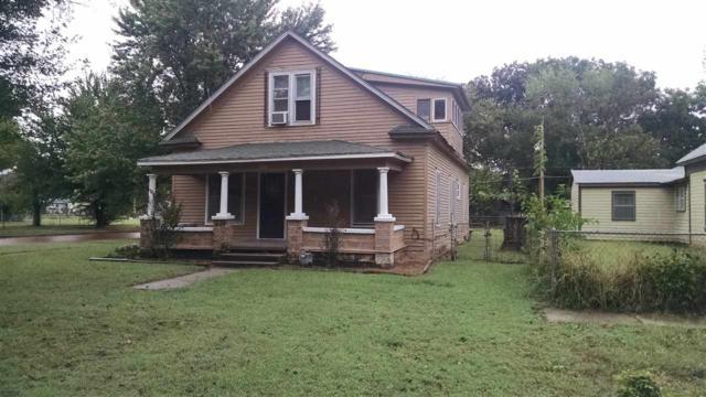 902 S 2nd St, Arkansas City, KS 67005 (MLS #542903) :: Select Homes - Team Real Estate