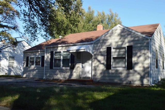2558 S Mosley St, Wichita, KS 67216 (MLS #542949) :: Better Homes and Gardens Real Estate Alliance