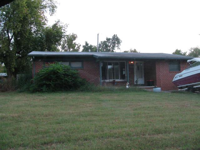 1301 E Alturas St, Wichita, KS 67216 (MLS #542960) :: Better Homes and Gardens Real Estate Alliance
