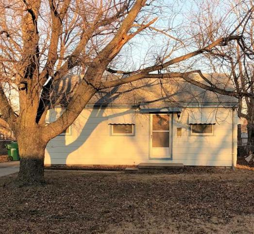532 Hickory Ln, Valley Center, KS 67147 (MLS #545619) :: Glaves Realty