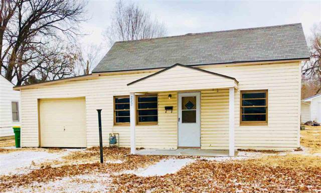 222 N Park Ave, Valley Center, KS 67147 (MLS #545836) :: Glaves Realty