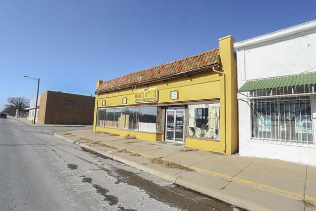 800 E 4TH AVE, Hutchinson, KS 67501 (MLS #546121) :: Glaves Realty
