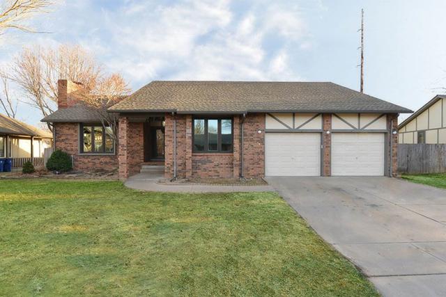 1418 N Valleyview Ct., Wichita, KS 67212 (MLS #547991) :: Select Homes - Team Real Estate