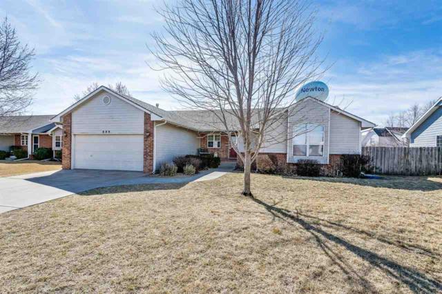 809 Country Lane, Newton, KS 67114 (MLS #548088) :: Select Homes - Team Real Estate