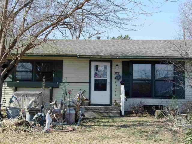 2517 S Exchange Pl, Wichita, KS 67217 (MLS #548288) :: Select Homes - Team Real Estate
