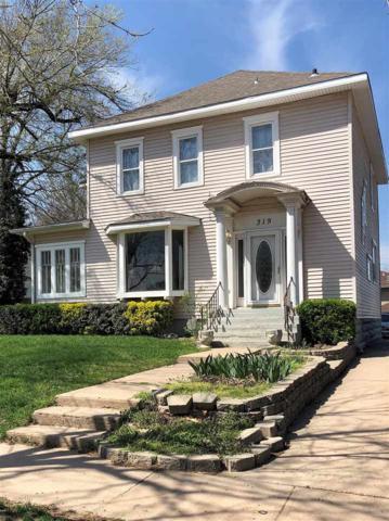 319 N B St, Arkansas City, KS 67005 (MLS #549238) :: Select Homes - Team Real Estate