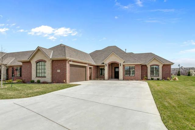 1611 N Red Oaks Ct, Wichita, KS 67206 (MLS #549333) :: On The Move