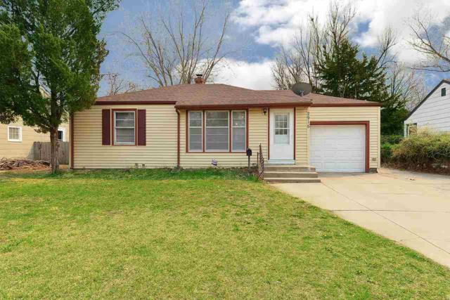 2915 E Clover Ln, Wichita, KS 67216 (MLS #549965) :: On The Move