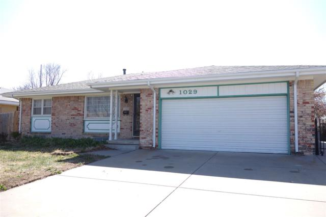 1029 S Dalton Dr, Wichita, KS 67207 (MLS #550033) :: Better Homes and Gardens Real Estate Alliance