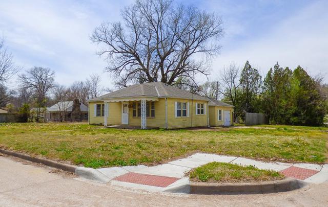 1157 N Volutsia St, Wichita, KS 67214 (MLS #550634) :: Select Homes - Team Real Estate