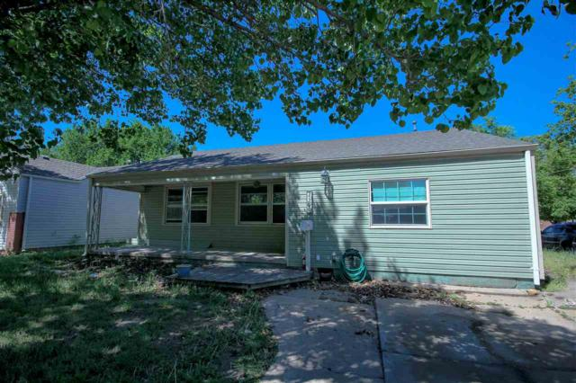 2501 S Greenwood St, Wichita, KS 67216 (MLS #550951) :: Wichita Real Estate Connection