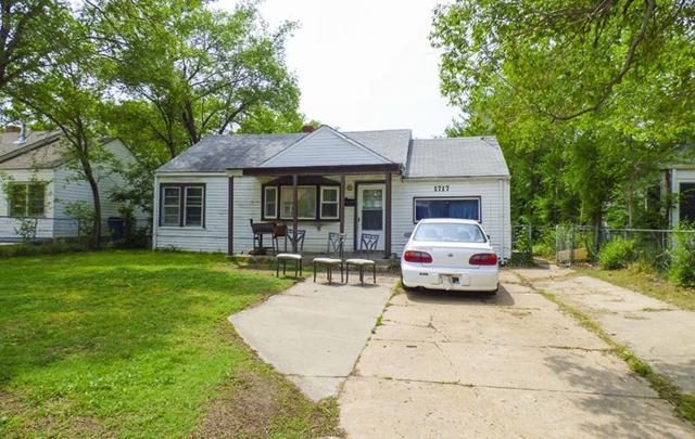 1717 N Volutsia St, Wichita, KS 67214 (MLS #551524) :: Select Homes - Team Real Estate