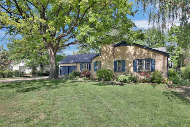 58 S Stratford Rd, Eastborough, KS 67207 (MLS #551717) :: Better Homes and Gardens Real Estate Alliance