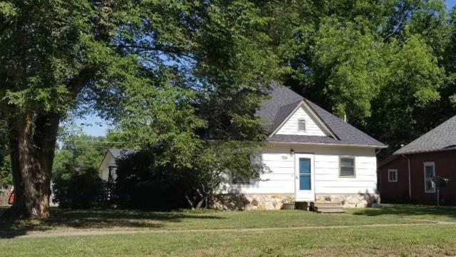 326 N Linden St, Belle Plaine, KS 67013 (MLS #552005) :: Glaves Realty