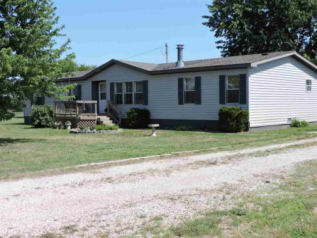 9425 W 82ND ST N, Valley Center, KS 67147 (MLS #552472) :: Glaves Realty