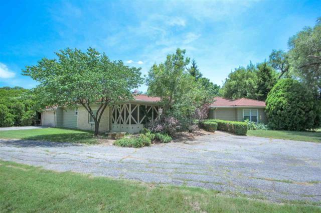 2 S Drury Lane, Eastborough, KS 67207 (MLS #552473) :: Better Homes and Gardens Real Estate Alliance