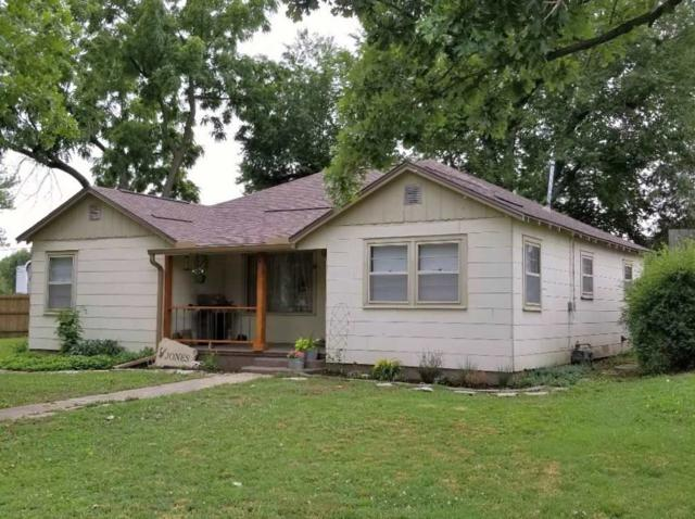 723 Oak St, Burden, KS 67019 (MLS #552591) :: On The Move