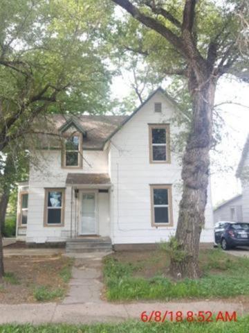 219 W 7th, Newton, KS 67114 (MLS #553015) :: Wichita Real Estate Connection