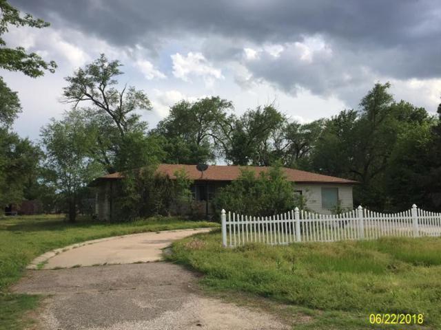 1129 E 71st, Haysville, KS 67060 (MLS #553165) :: Wichita Real Estate Connection