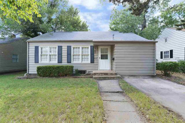 625 N Ridgewood Dr, Wichita, KS 67208 (MLS #553697) :: On The Move