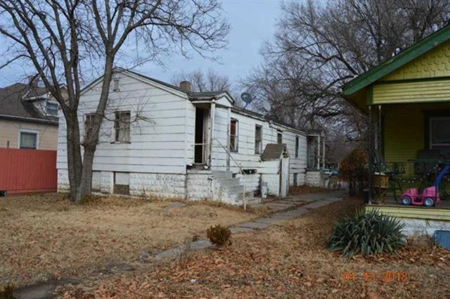 1926 N Waco Ave, Wichita, KS 67203 (MLS #554176) :: On The Move