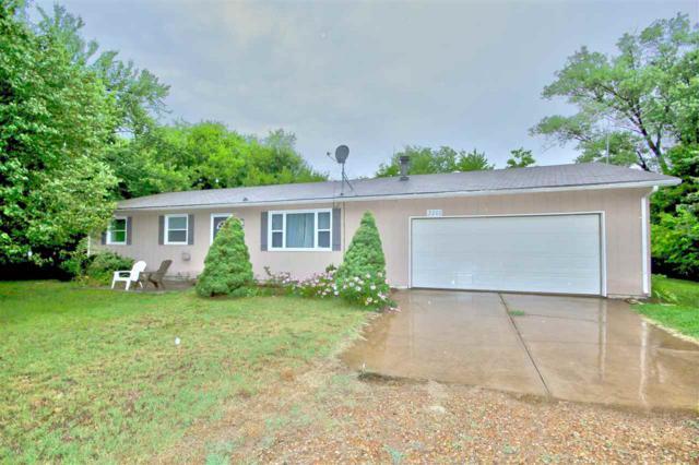 3201 N Summerset St, Hutchinson, KS 67502 (MLS #554224) :: Select Homes - Team Real Estate