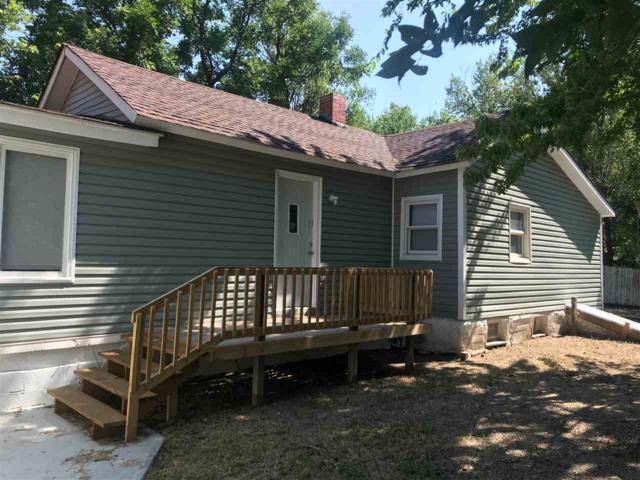 1610 S Martinson St, Wichita, KS 67213 (MLS #554938) :: On The Move