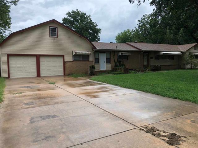 2010 S Chautauqua Ave, Wichita, KS 67211 (MLS #555624) :: Better Homes and Gardens Real Estate Alliance