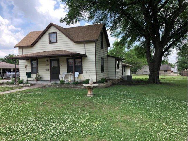 1623 E 11TH AVE, Winfield, KS 67156 (MLS #556113) :: Select Homes - Team Real Estate