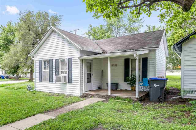 128 W 2nd, Newton, KS 67114 (MLS #556367) :: Select Homes - Team Real Estate