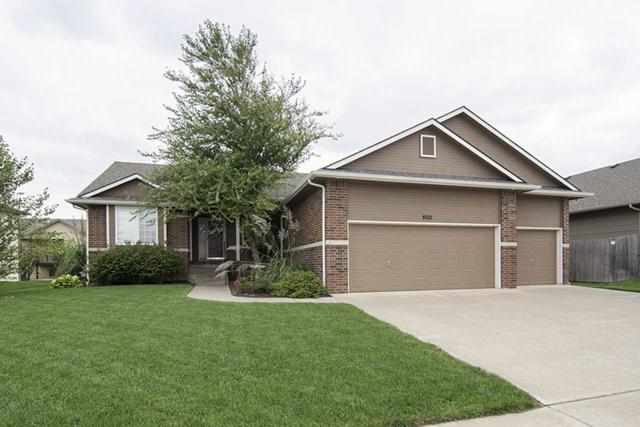 8621 E Scragg Cir, Wichita, KS 67226 (MLS #556870) :: On The Move