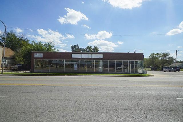 1205 W Douglas Ave, Wichita, KS 67213 (MLS #557191) :: Wichita Real Estate Connection
