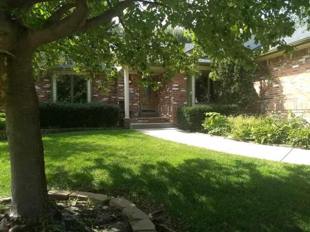 1419 E Meadow Ridge Ct, Derby, KS 67037 (MLS #557203) :: Better Homes and Gardens Real Estate Alliance