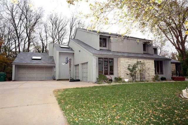 1700 S Tamarisk Drive, Wichita, KS 67230 (MLS #557991) :: Better Homes and Gardens Real Estate Alliance