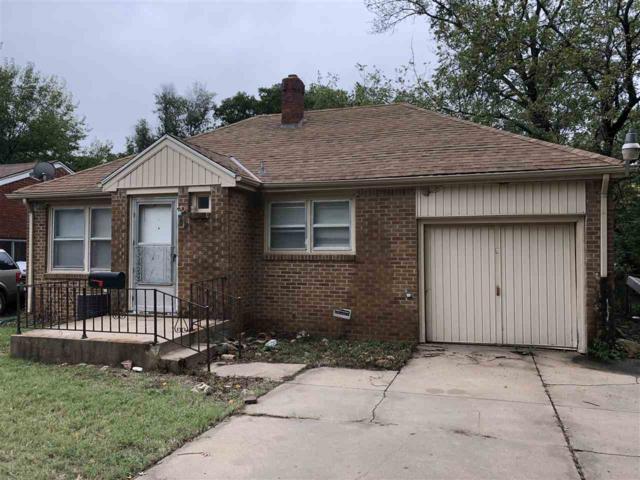 823 N Chautauqua Ave, Wichita, KS 67214 (MLS #558156) :: On The Move