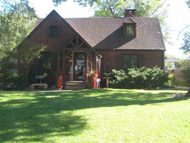 238 N Parkwood Ln, Wichita, KS 67208 (MLS #558394) :: Wichita Real Estate Connection
