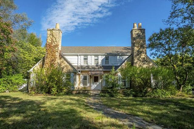 4 E Douglas Ave, Eastborough, KS 67206 (MLS #558428) :: Better Homes and Gardens Real Estate Alliance