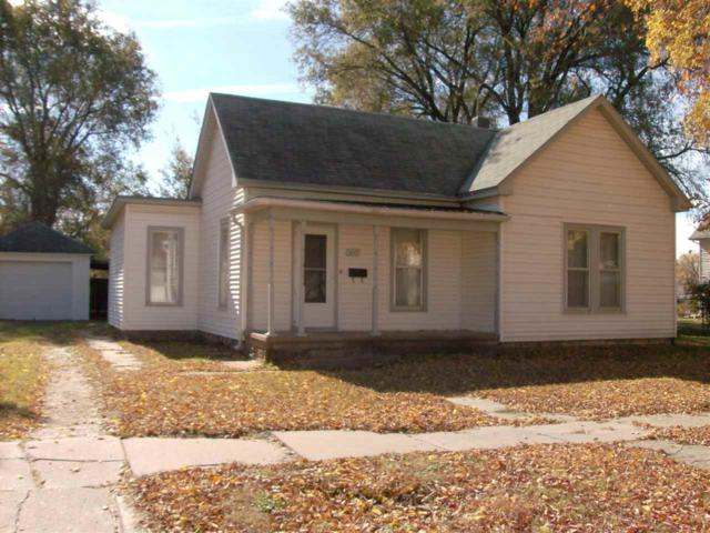 321 SW 4th, Newton, KS 67114 (MLS #559143) :: Select Homes - Team Real Estate