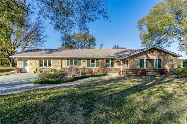 2410 E Chestnut Ave, Arkansas City, KS 67005 (MLS #559445) :: Wichita Real Estate Connection