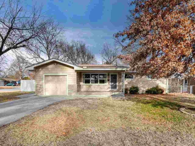 1340 N Lakeview Dr, Derby, KS 67037 (MLS #560304) :: On The Move