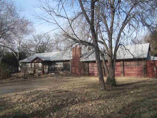 4075 N Parkwood Ln, Bel Aire, KS 67220 (MLS #560470) :: Wichita Real Estate Connection