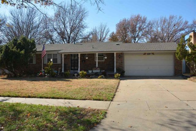 1127 S Apache Dr, Wichita, KS 67207 (MLS #560584) :: Select Homes - Team Real Estate
