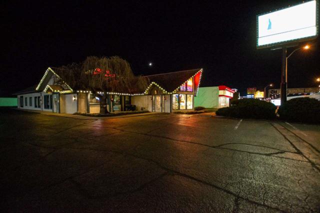 6205 W Kellogg, Wichita, KS 67209 (MLS #561566) :: On The Move
