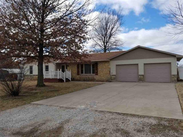 903 Holloway Ln, Winfield, KS 67156 (MLS #561914) :: On The Move