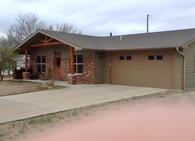 2224 Cottonwood Ct, Winfield, KS 67156 (MLS #561920) :: Wichita Real Estate Connection