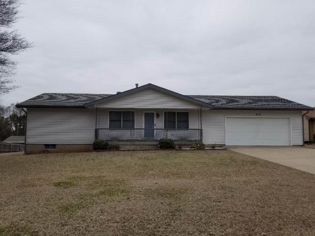 513 E 34TH AVE, Winfield, KS 67156 (MLS #563078) :: On The Move