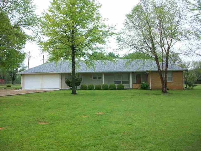 6910 Lindberg Ave, Arkansas City, KS 67005 (MLS #565658) :: Graham Realtors